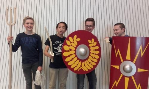 De gladiatoren kwamen tot leven voor de leerlingen van het 1ste jaar Latijn