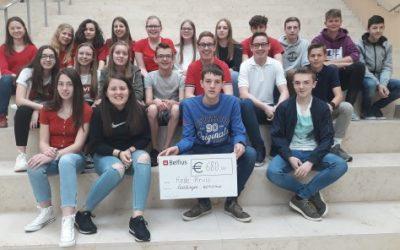 Met alle acties en de gift van Stad Peer samen schenken de leerlingen economie dit schooljaar 680,00 euro aan het Rode Kruis Vlaanderen!